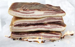 082FlamingTamworthBacon4_21_11LaQuercia